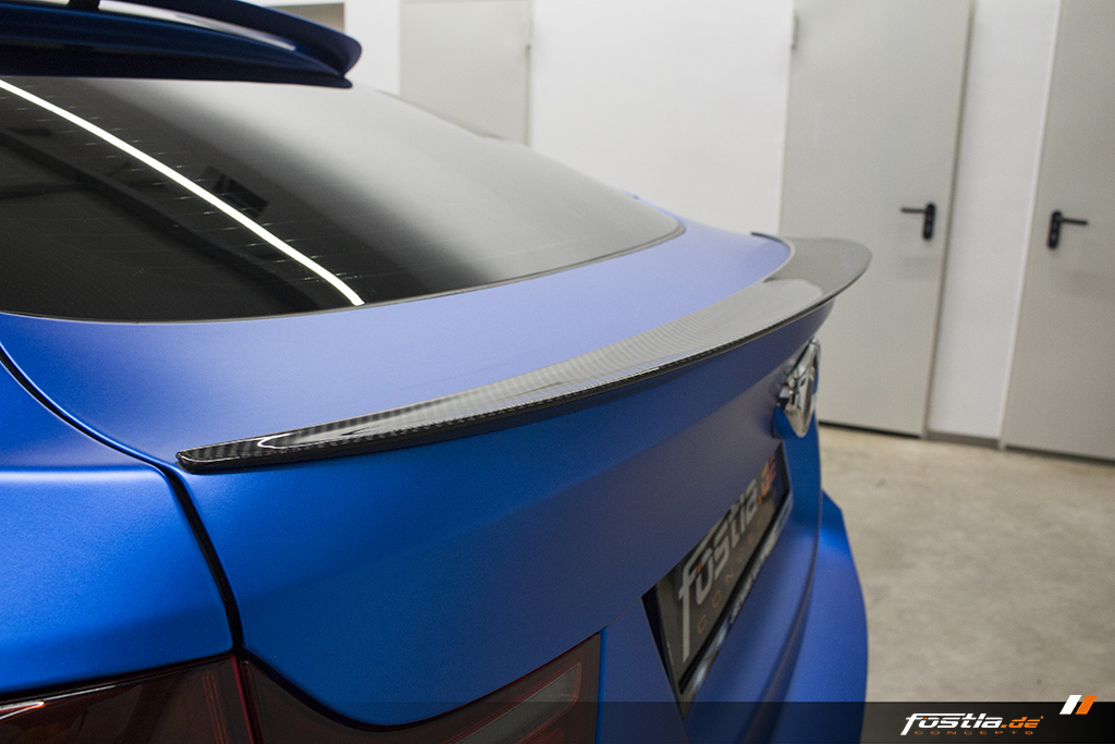 BMW X6M E71 Car-Wrapping Vollfolierung KPMF Blau Carbon 4.jpg