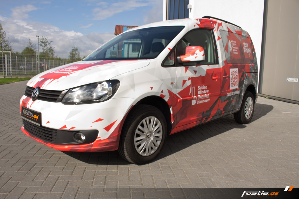 VW Caddy 2K Vollfolierung Digitaldruck Design Rot Weiß Grau Future 9.jpg