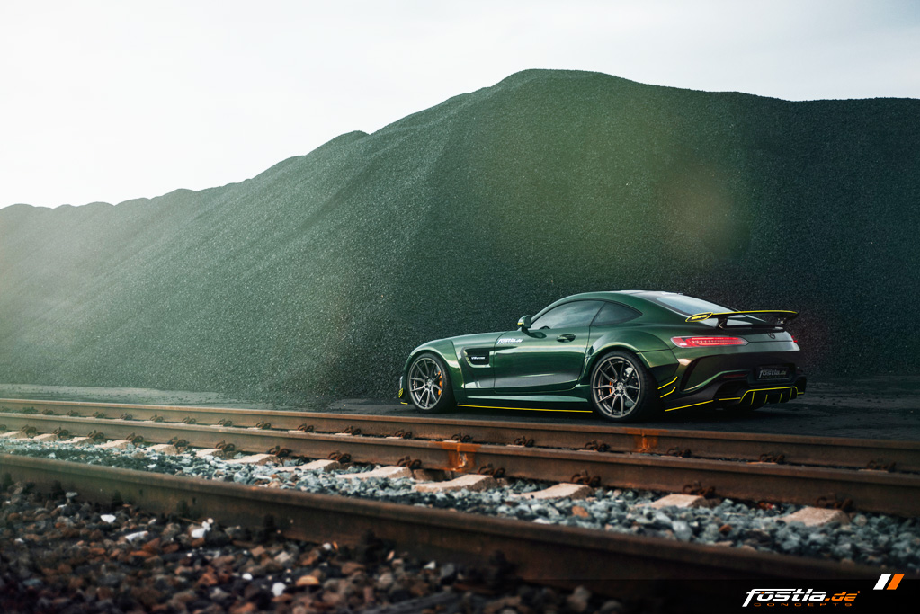 Mercedes AMG GT Prior-Design Widebody-Aerodynamik-Kit Malachite Green Vollfolierung Hannover (16).jpg