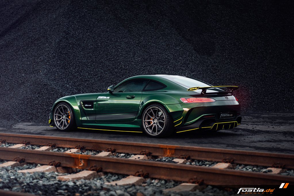 Mercedes AMG GT Prior-Design Widebody-Aerodynamik-Kit Malachite Green Vollfolierung Hannover (17).jpg