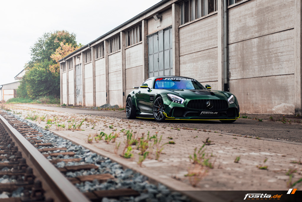Mercedes AMG GT Prior-Design Widebody-Aerodynamik-Kit Malachite Green Vollfolierung Hannover (2).jpg