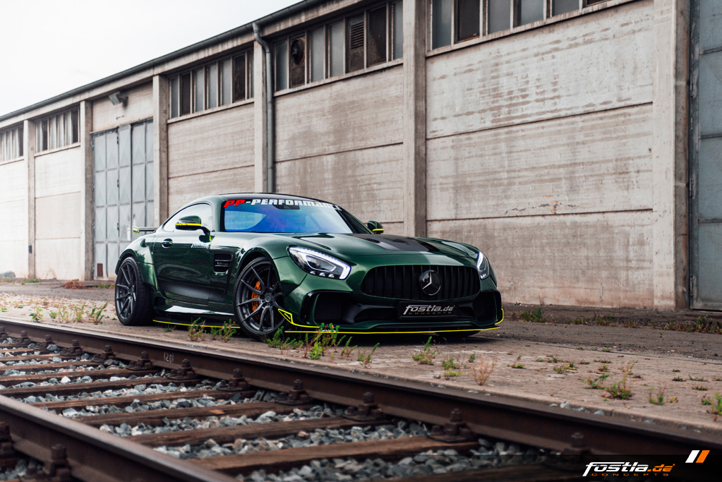 Mercedes AMG GT Prior-Design Widebody-Aerodynamik-Kit Malachite Green Vollfolierung Hannover (3).jpg