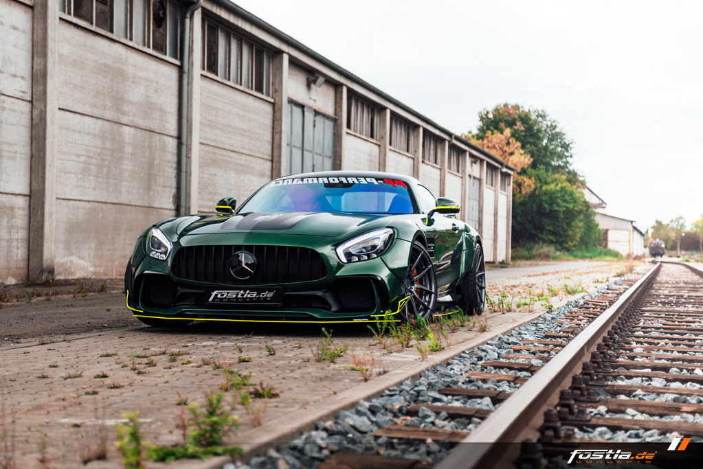 Mercedes AMG GT Prior-Design Widebody-Aerodynamik-Kit Malachite Green Vollfolierung Hannover (4).jpg