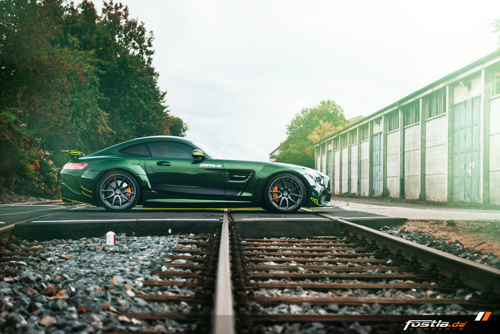 Mercedes AMG GT Prior-Design Widebody-Aerodynamik-Kit Malachite Green Vollfolierung Hannover (5).jpg